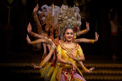 Thailand Tour Package Alcazar Show